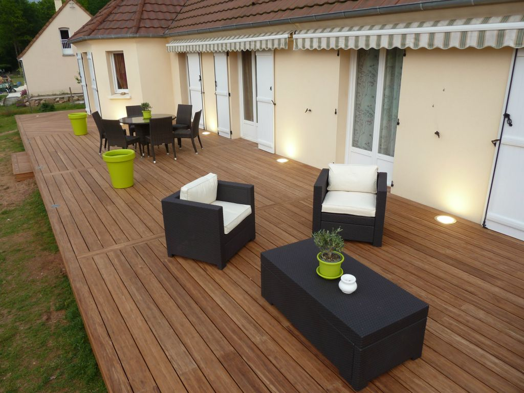 Bardage bois ext rieur am nagement ext rieur bois for Terrasse teck piscine